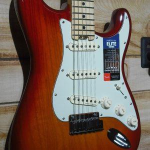 Fender® American Elite Stratocaster® Maple Fingerboard Aged Cherry Sunburst w/Case