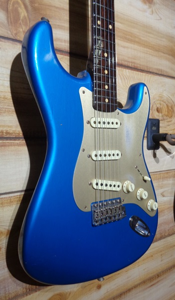 Fender® Limited Edition 50's Rosewood Neck Stratocaster® Faded Lake Placid Blue w/Case